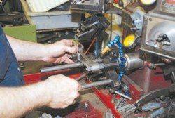 SA200_FULLBOOK_RebuildPontiacV8s_Page_077_Image_0002