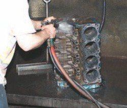 SA200_FULLBOOK_RebuildPontiacV8s_Page_084_Image_0001