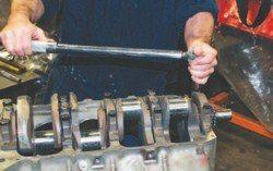 SA200_FULLBOOK_RebuildPontiacV8s_Page_086_Image_0003