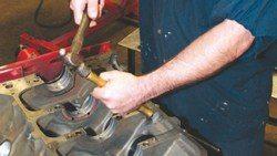 SA200_FULLBOOK_RebuildPontiacV8s_Page_098_Image_0003