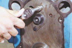 HOW TO ASSEMBLE PONTIAC V-8 ENGINE FOR REBUILD PROJECT
